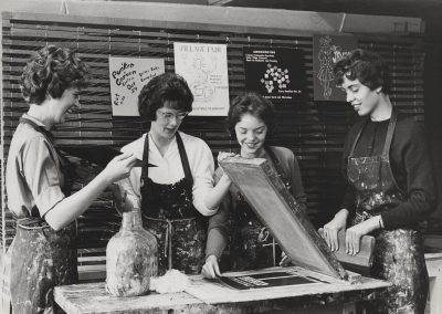 Art students pull serigraphy prints, ca. 1961.