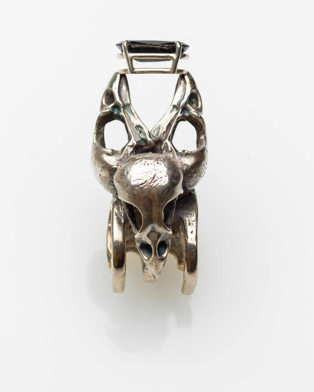 Sparrow Skull (Hairclip), sterling silver, corundum sculpture by Lucas Pointon.