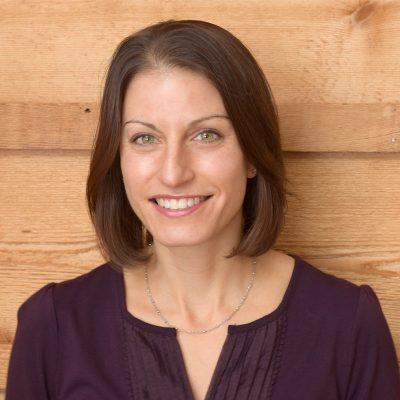 Laura Lang Headshot