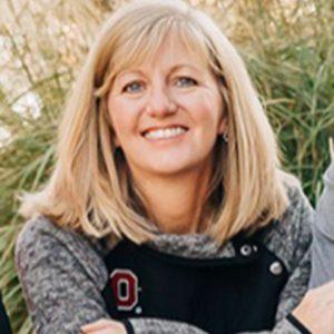 Dee Dee Messer headshot